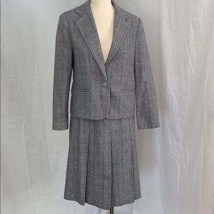 1980's woman's plaid wool business suit